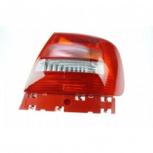 AUDI A4 1999-2000 TAILLIGHT - PASSENGER SIDE